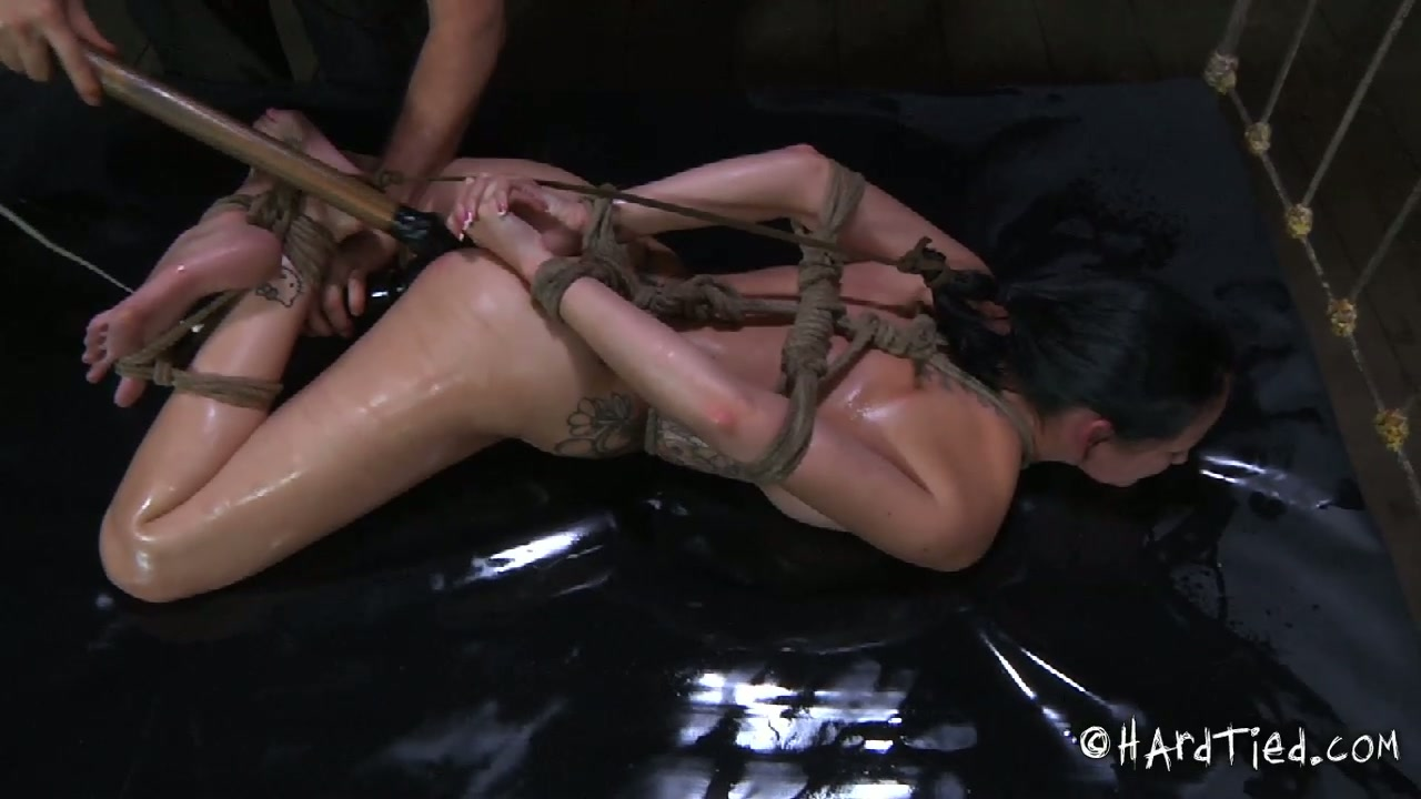 Curvaceous brunette hottie welcomes hard pussy drill in BDSM sex scene