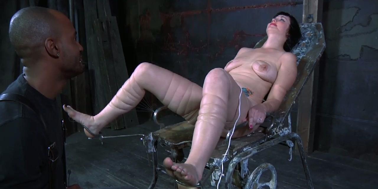 Voluptuous brunette slut gets her loose hootchie dildo fucked in BDSM sex clip